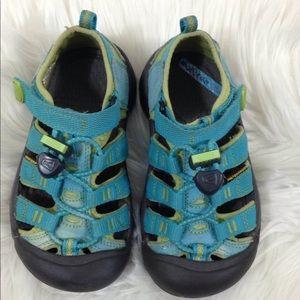 KEEN Kids Waterproof Outdoors Hiking Shoes 10